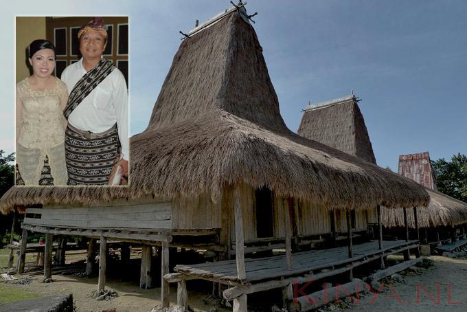 Huis in Sumba met bruidspaar